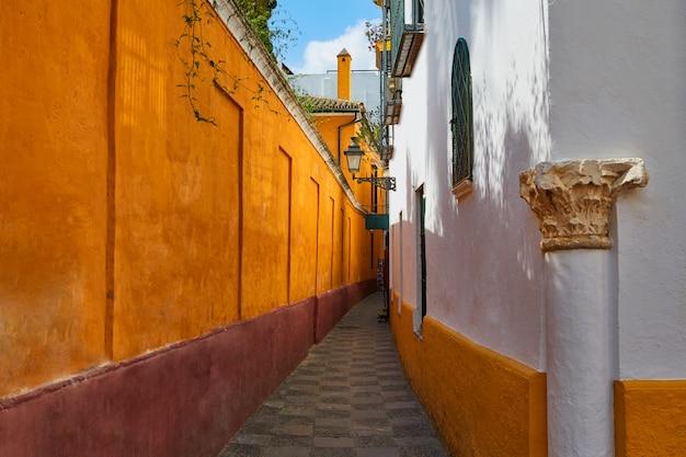 Barrio di siviglia juderia andalusia sevilla spagna Foto Premium