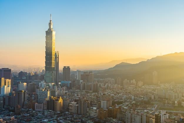 Bella architettura che costruisce la città di taipeh Foto Gratuite