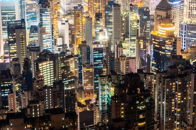 Bella architettura che sviluppa paesaggio urbano esteriore dell'orizzonte della città di hong kong Foto Gratuite