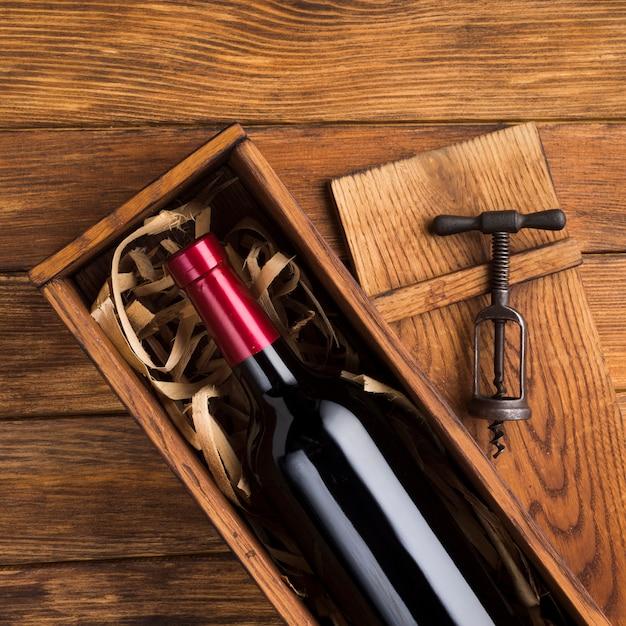 Bella bottiglia di vino nel caso Foto Gratuite