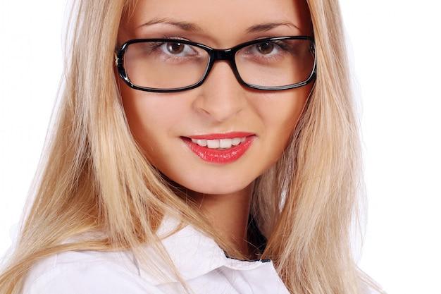 Bella donna giovane e attraente Foto Gratuite
