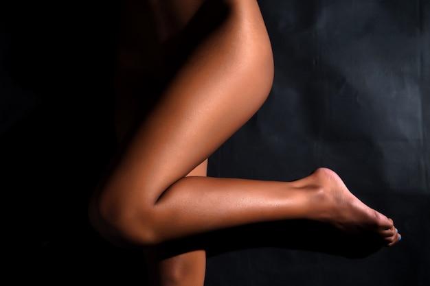 Giovane nero nudo foto