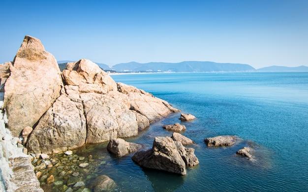 Bellissima spiaggia estiva di wando, wando, corea del sud Foto Premium