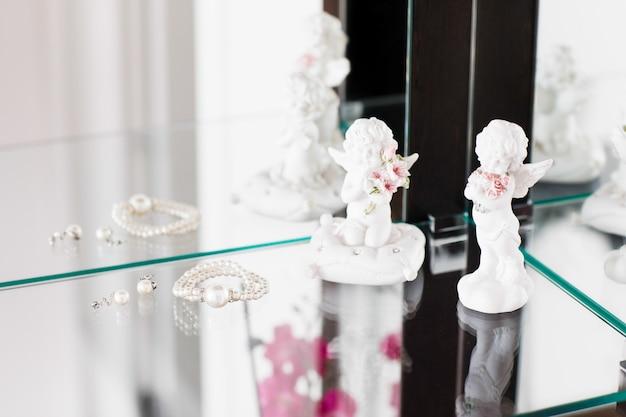 Bellissimi gioielli di perle per la sposa. Foto Premium