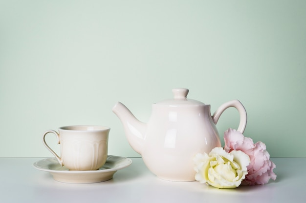 Bevanda con decorazioni floreali Foto Gratuite