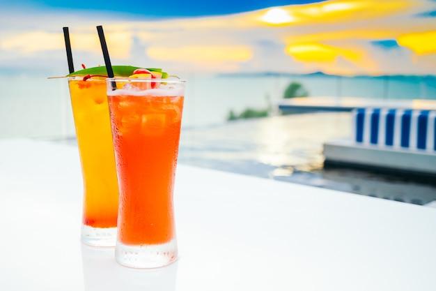 Bicchiere da cocktail di ghiaccio Foto Gratuite