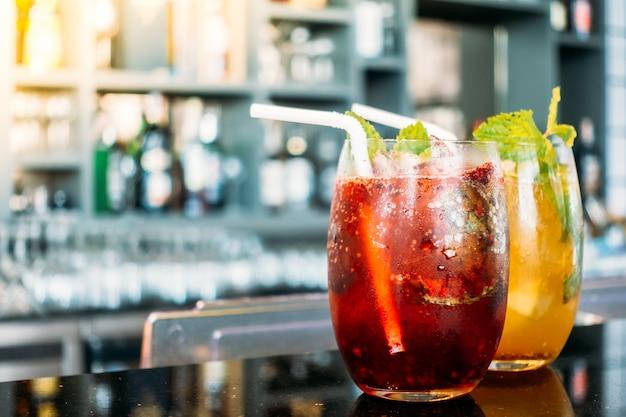 Bicchieri da cocktail bicchieri Foto Gratuite