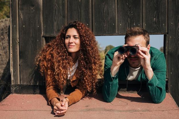 Birdwatching delle coppie di vista frontale Foto Gratuite