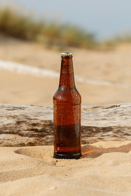 Birra in spiaggia Foto Premium