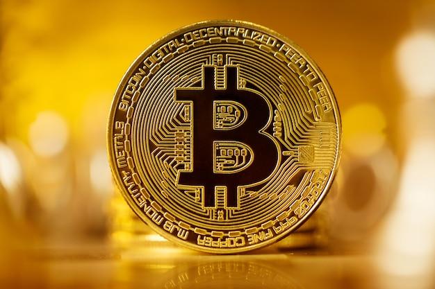 Bitcoin btc dorato Foto Premium