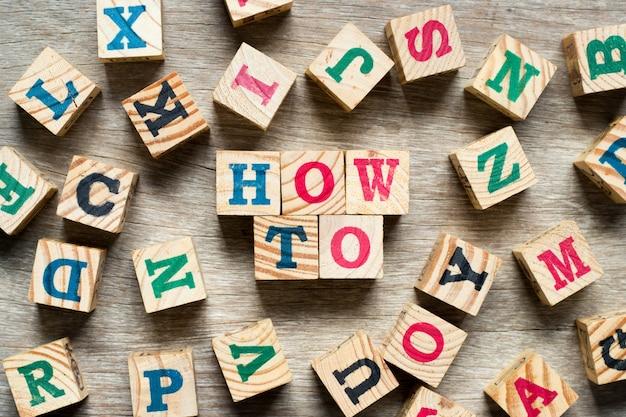 Blocco di lettere in parola come con un altro alfabeto Foto Premium