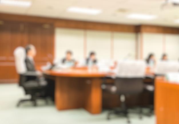 Blur ceo con il consiglio di amministrazione presentazione nella sala riunioni. Foto Premium