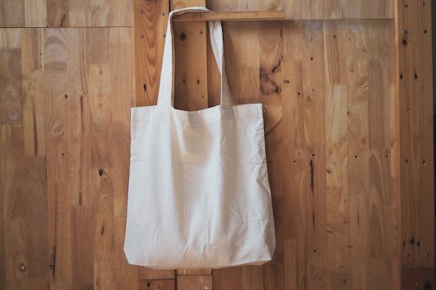 Borsa shopping in lino di cotone bianco Foto Premium