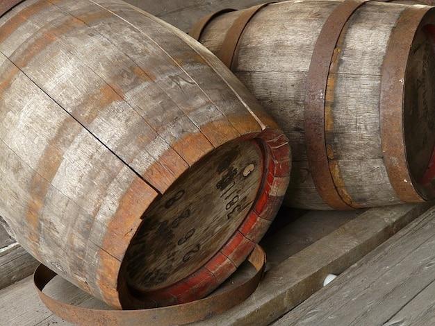 Botti di legno di legno del contenitore di vino whisky for Botti in legno per arredamento