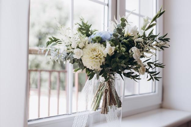 Bouquet da sposa bellissimo rustico Foto Premium