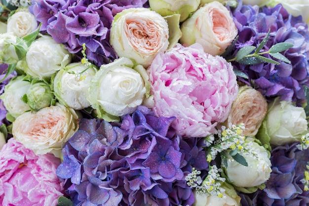 Bouquet di peonie, rose e ortensie (compleanno, matrimonio, festa della mamma, fidanzamento) Foto Premium