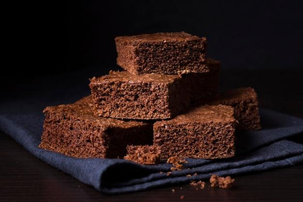 Brownies al cioccolato delizioso primo piano Foto Gratuite