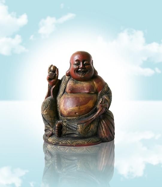 Buddha cinese sul cielo blu di sogno Foto Premium