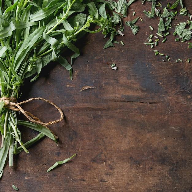 Bundle di erbe fresche italiane Foto Premium