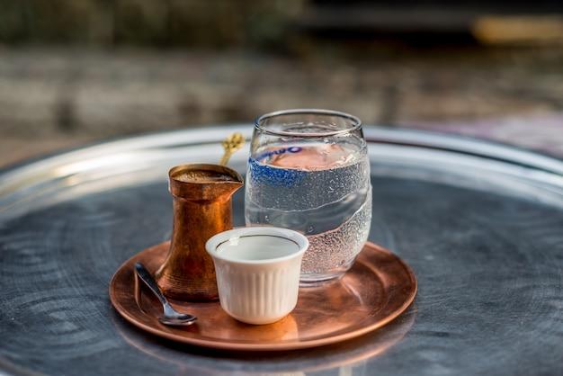 Caffè bosniaco tradizionale Foto Premium