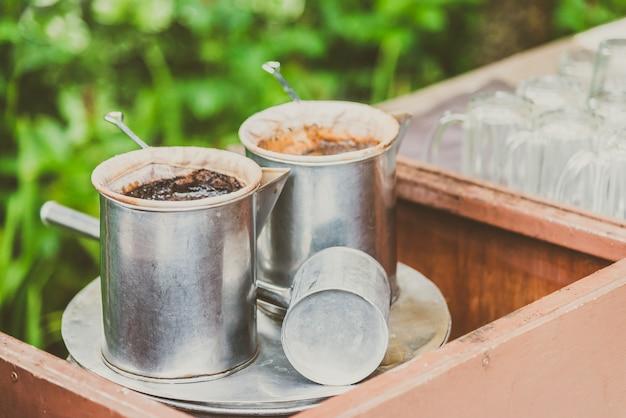Caffè di fabbricazione d'annata con stile tailandese - effetto d'annata del filtro Foto Gratuite
