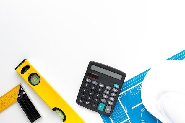 Calcolatore vista dall'alto con spazio di copia Foto Gratuite