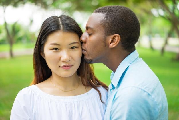 Ragazza cinese dating UK