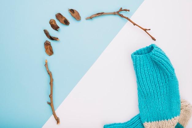 Calze e ramoscelli lavorati a maglia Foto Gratuite