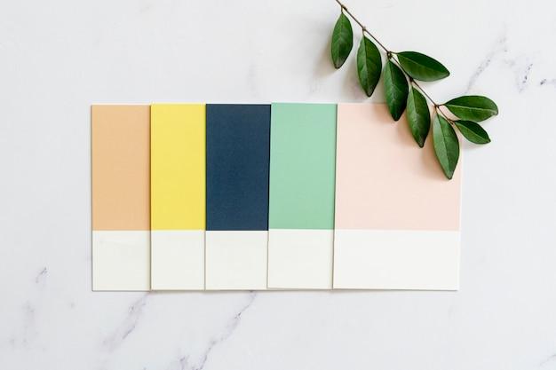 Campioni di colore su sfondo chiaro Foto Gratuite