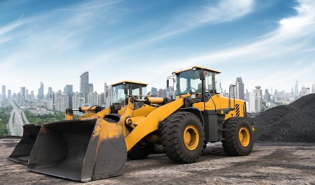 Cantieri edili, che lavorano nell'escavatore. Foto Premium