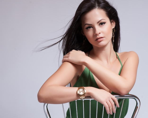 Capelli. bella ragazza bruna Foto Premium