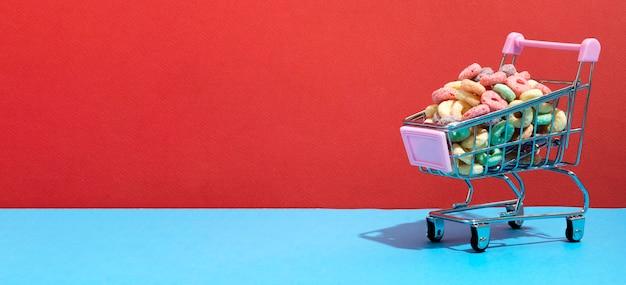 Carrello della spesa con cereali Foto Gratuite