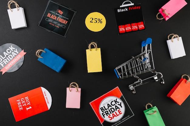 Carrello della spesa tra adesivi in vendita Foto Gratuite