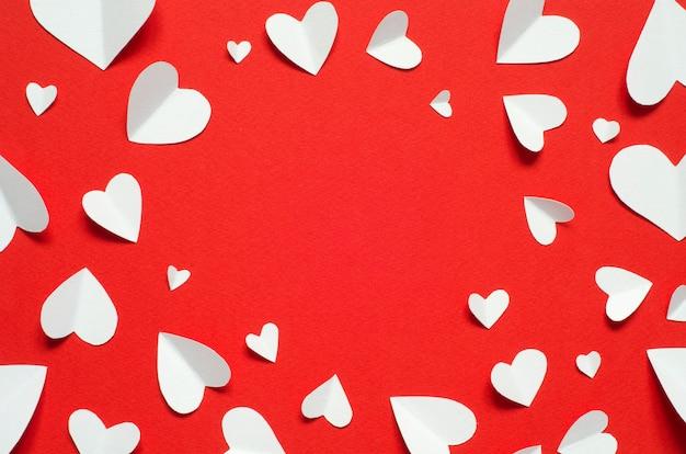 Cartolina di san valentino concetto di amore per la festa della mamma e il giorno di san valentino. vista dall'alto. copia spazio Foto Premium