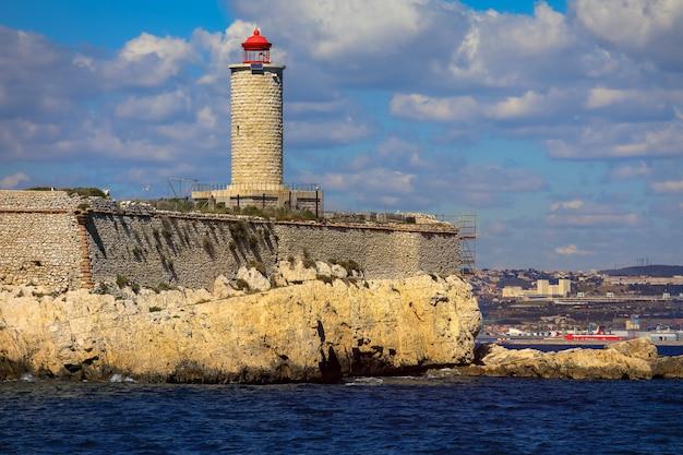 Casa leggera costiera a marsiglia, in francia Foto Premium