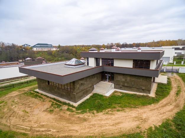 case di campagna moderne in costruzione scaricare foto