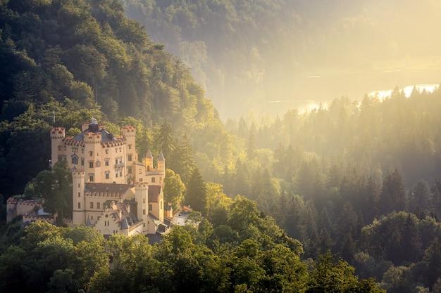 Castello di hohenschwangau a fussen baviera, germania Foto Premium