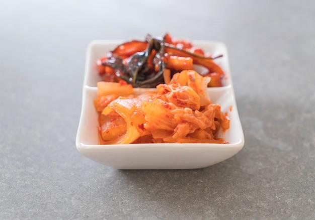 Cavolo cinese, squash e ravanello kimchi Foto Gratuite