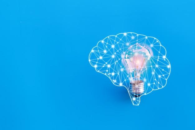 Cervello e lampada, grande idea e concetto di innovazione. Foto Premium