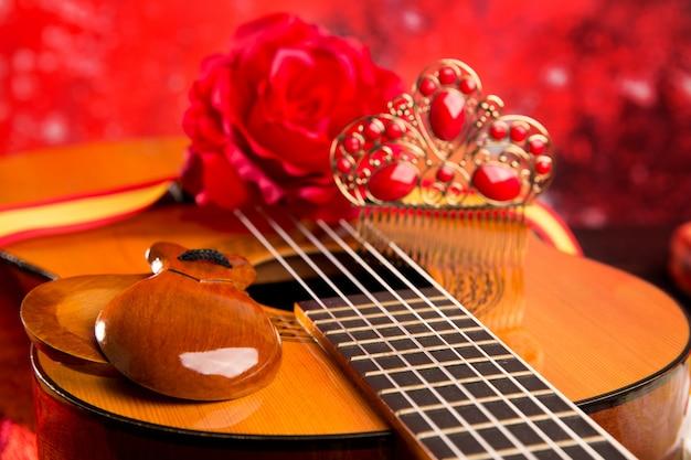 Chitarra spagnola di cassic con elementi di flamenco Foto Premium