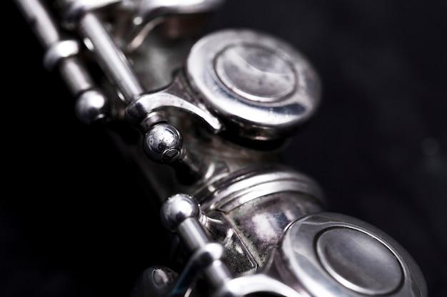 Chiuda in su del flauto del metallo Foto Gratuite