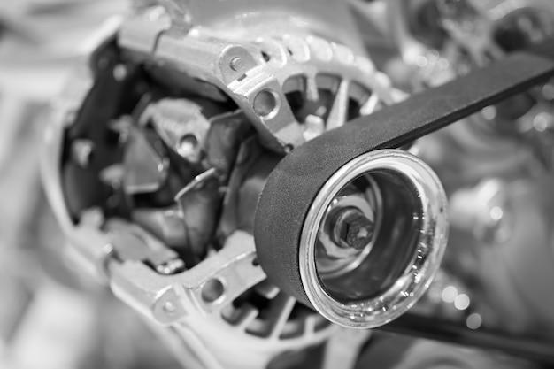 Chiuda sulla cinghia di sincronizzazione dell'automobile. Foto Premium