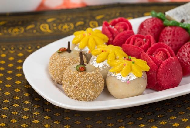 Cibo dolce di frutta secca Foto Premium