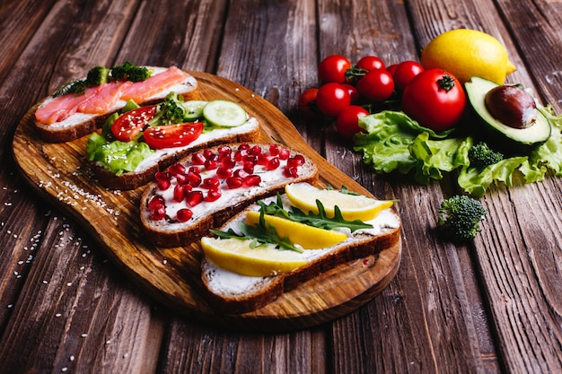 Idee Per Pranzi Sani : Cibo fresco e sano spuntini o idee per il pranzo pane fatto in
