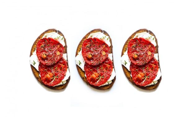 Cibo piatto crostini cena deliziosa italia Foto Premium