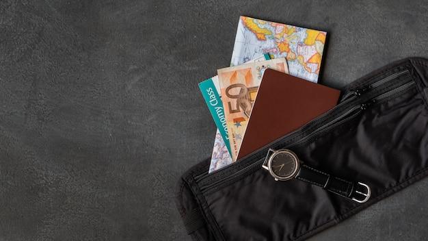 Cintura con passaporto Foto Premium