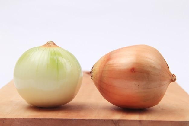 Cipolla fresca pronta a cuocere le verdure Foto Premium