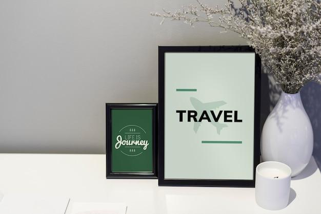 Citazione di viaggio e illustrazione in cornici Foto Premium