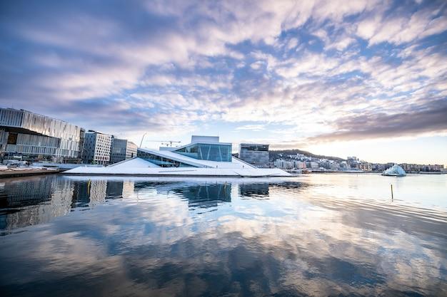 Città di oslo in inverno, norvegia Foto Premium