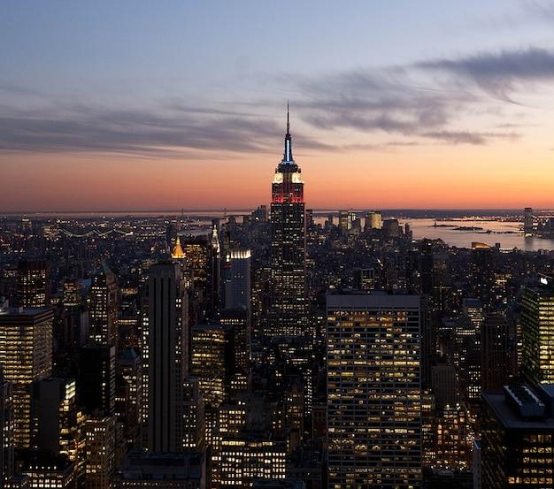 Citt di sera nubi edifici new york notte cielo for Foto new york notte